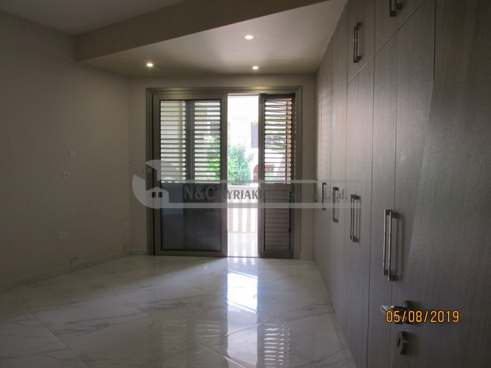 Photo #8 Townhouse for rent in Cyprus, Larnaca - City center