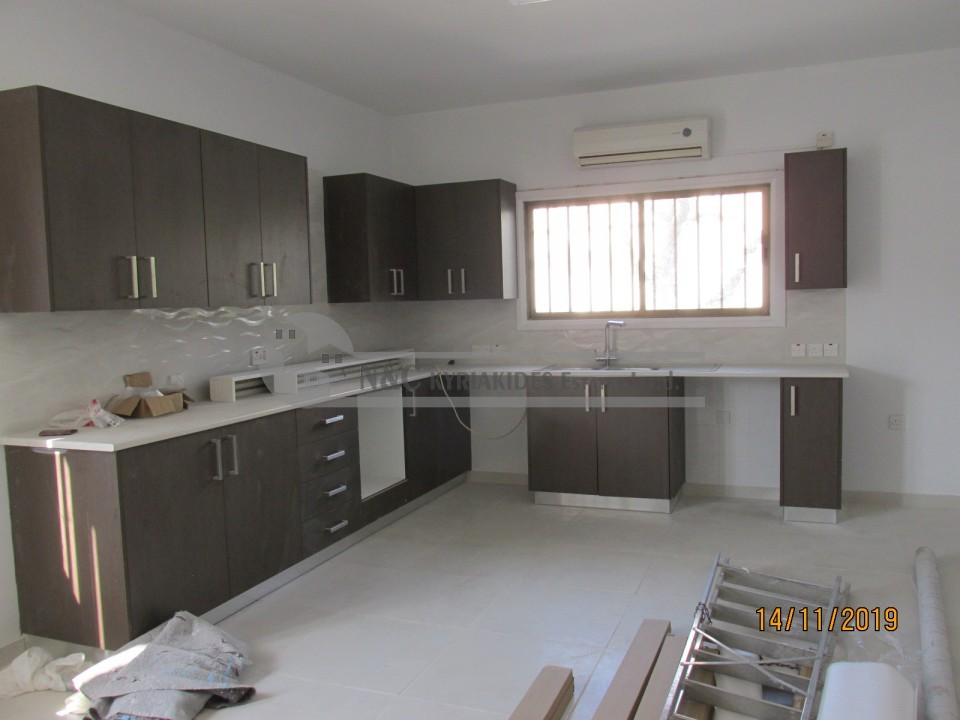 Photo #6 Semi Detached House for rent in Cyprus, Droshia Quarters