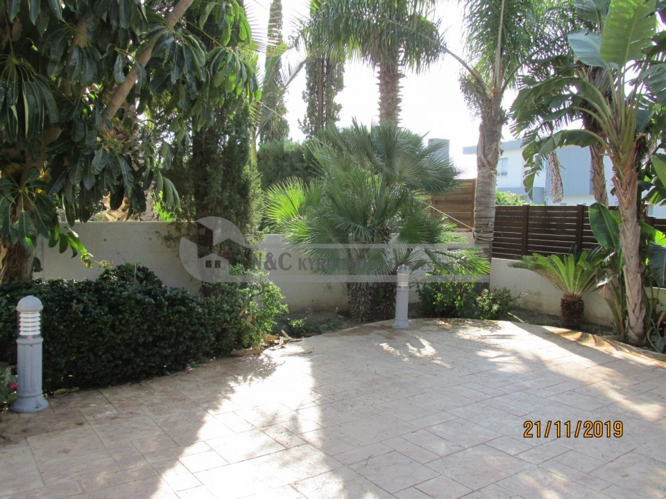 Photo #4 Detached House for rent in Cyprus, Pervolia