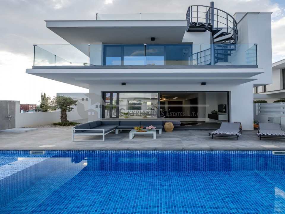 Photo #2 Villa for sale in Cyprus, Dekelia