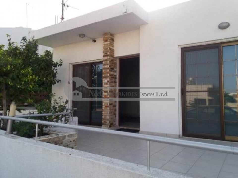 Photo #1 Semi Detached House for rent in Cyprus, Larnaca - City center