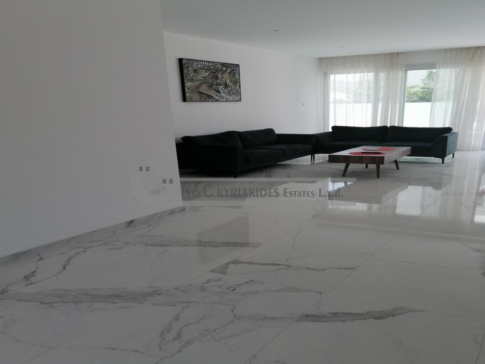 Photo #4 Villa for rent in Cyprus, Oroklini